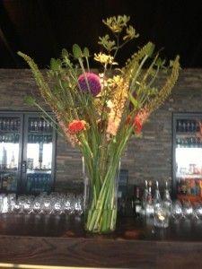 Zijden bloem abonnement. kleur en bloemsoort in overleg Wisseling 4x per jaar Abonnementen zijn altijd op jaarbasis Prijzen vanaf € 24,50 excl. btw p/mnd