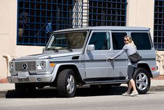Renee Zellweger in her Mercedes-Benz G-Wagon!
