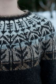 Ravelry: Project Gallery for Veðurfræðingurinn - weatherman pattern by G… Sweater Knitting Patterns, Knitting Designs, Knit Patterns, Knitting Projects, Geometric Patterns, Fair Isle Knitting, Hand Knitting, Icelandic Sweaters, How To Purl Knit