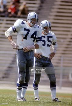 Defensive Tackle Bob Lilly  74 of the Dallas Cowboys stands with linebacker  Lee Roy Jordan 2e5c09e77