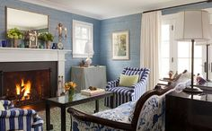Traditional Living Room photo by Robin Henry
