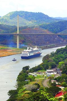 Explore Panama Canal holidays and discover the best time and places to visit. Panama Canal, Panama City Panama, Mexico Pictures, Vacations To Go, Continental Divide, Worldwide Travel, Beautiful Places To Travel, Countries Of The World, Beautiful Landscapes