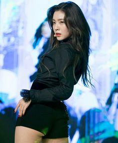 Most Beautiful Faces, Beautiful Asian Girls, Korean Beauty, Asian Beauty, Red Velvet Irene, Lucky Girl, K Idol, Seulgi, Classy Women
