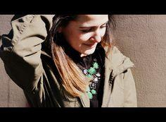 Meu look: parka e maxicolar    http://matka.com.br/blog/20/07/2012/meu-look-parka-e-maxicolar/