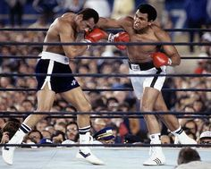 Ken Norton 217½ lbs lost to Muhammad Ali 221 lbs by UD in round 15 of 15.
