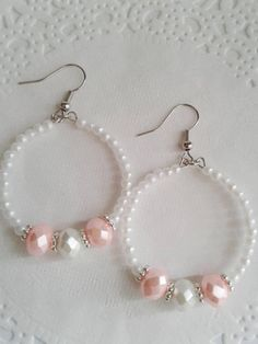 Small white pearl and pink beaded hoop earrings, White pearl earrings, Pink and white beaded hoop earrings, Formal jewelry, Diy Earrings And Necklaces, How To Make Earrings, Bead Earrings, Earrings Handmade, Pink Pearl Earrings, Round Earrings, Crochet Earrings, Bead Jewellery, Beaded Jewelry