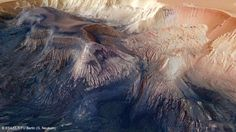 An eight-thousand-metre mountain with sulphate layers in Hebes Chasma
