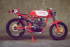 うわぁ,渋いわ.  Ducati 125 Sport