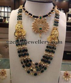 Jewellery Designs: Emerald Pearls Beads Set Choker