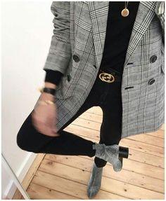Autumn - Fall - Winter - Acne Studios - Street Style - A/W 18 - FW 18 - Inspiration - Fashion - Anniken - Annijor - Olsen Twins - Shoes - Boots - OOTD - Zoella Gucci Fashion, Blazer Fashion, Catwalk Fashion, 90s Fashion, Fashion Beauty, Fashion Dresses, Womens Fashion, Dance Fashion, Fashion Mode