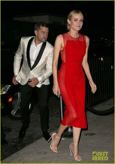 diane kruger goes red hot at met ball 2014 after party with joshua jcakson 03 Diane Kruger switches up her look for the 2014 Met Ball After Party to a hot red dress on Monday evening (May 5) in New York City.    The 37-year-old actress was…