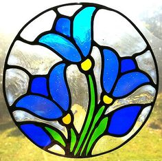 Flower Stained Glass Suncatchers for Windows Stained Glass Patterns Free, Stained Glass Quilt, Stained Glass Flowers, Faux Stained Glass, Stained Glass Designs, Stained Glass Panels, Stained Glass Projects, Glass Painting Designs, Glass Art Design