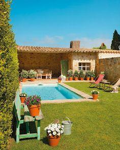 Mediterrán stílus - A tökéletes nyaraló - három évszázad emlékeivel a kőfalakban és gerendákban