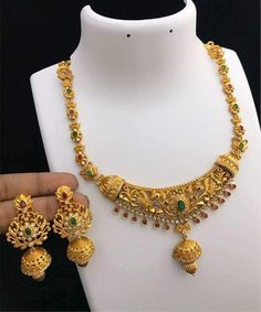 Sale On Gold Jewellery Product 18k Gold Jewelry, Gold Jewellery Design, Bridal Jewelry, Jewelery, Gold Pendent, India Jewelry, Jewelry Shop, Necklace Designs, Jewelry Collection