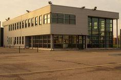 Kantoorruimte huren Moerdijk? Dat kan nu ook bij Huurbieding! Beschikbaar: 800m2 kantoorruimte met 18.000m2 buitenterrein!   http://www.huurbieding.nl/huur/bedrijfsruimte/1-00877/moerdijk/graanweg-11.html   #Moerdijk #Kantoorruimte #Buitenterrein #Huurbieding #NoordBrabant #Zevenbergen #Moerdijkbrug #Hollandsdiep #Graanweg #Transsport #Huren #Terrein #Vastgoed #Bescikbaar