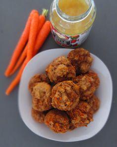 SUGAR-FREE 100% Whole Wheat Carrot Applesauce Muffins. Whole wheat flour, carrots, applesauce, dates, vanilla, cinnamon. | Frugal Nutrition #realfood