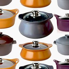 اضف الطناجر الرائعة ذات الألوان العصرية إلى مجموعتك، صنعت من الخزف الحجري المتين كي تدوم طويلاً، شكلها الانسيابي وتصميمها يعطيان للطهي معنى جديد. مضادة للالتصاق ومناسبة لطبخ جميع المأكولات الشهية. من وسادة.كوم