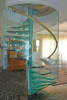 Escada espiral vidro linda