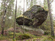 Балансирующий камень Куумакиви