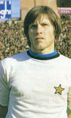 GABRIELE ORIALI 1970-1983 INTER Football Team, Soccer, Sports, Hs Sports, Football, Football Squads, European Football, Sport, Soccer Ball