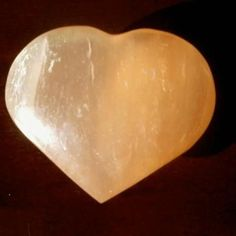 Seleniet-hart. (edelstenen 1 van mijn passies.)