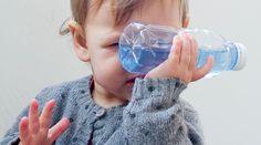 jeu Montessori pour bébé : les bouteilles