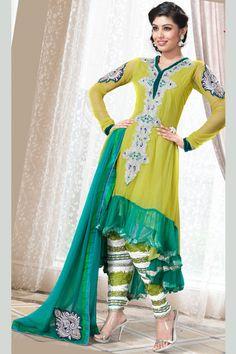 4696d2856 Mehandi Dresses For Brides 2014 In Pakistan Stylish Dress Designs, Stylish  Dresses, Fashion Dresses