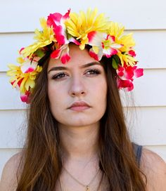 Want to know how to make a flower crown? If you're looking for some DIY hair accessories to try these flower headbands are a great craft project to try.