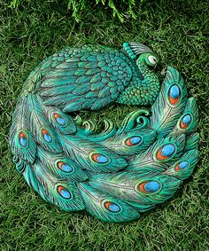 Never to be stepped on garden decor. This Green Peacock Stepping Stone is perfect! Peacock Decor, Peacock Bird, Peacock Colors, Peacock Theme, Peacock Design, Green Peacock, Peacock Feathers, Peafowl, Stone Art