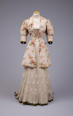 A lovely floral jacket ensemble from 1890-1895. #Victorian #fashion #1800s