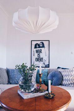 Produkten Taklampa retro ECO off white 60 cm säljs av Lampverket unika lampor & lampskärmar i vår Tictail-butik. 1390kr