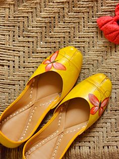 Buy Amber Lilldeh Yellow Faux Leather Printed Jutti online in India at best price.This Pair Of Hand-Painted Leather Jutti Dispenses A Simple Yet Elegant Demeanor With Crimson Butterfly Stylo Shoes, Indian Shoes, Painting Leather, Shoe Closet, Shoe Collection, Shoe Brands, Designer Shoes, Designer Wear, Designer Dresses