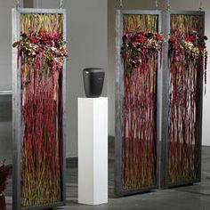 Floristik des Monats: stilvoller Raumschmuck für Trauerhallen