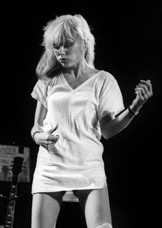 Debbie Harry live at London, 1977.