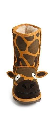 Keep your little one warm and fun - Giraffe Boot