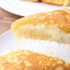 朝食にもおやつにも 卵焼き器でチーズドック | 料理動画(レシピ動画)のkurashiru [クラシル]