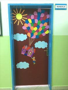 Yukarı bak sınıf kapı süsü, rehberlik servisi kapı süsü Diy Paper, Paper Crafts, Door Bulletin Boards, Classroom Door, Class Activities, Paper Plates, Paper Flowers, Origami, Education