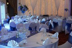Sala weselna w Dedek Park w błękitnej dekoracji.