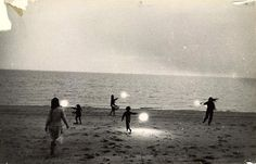 Untitled (Children with Sparklers in Provincetown) by Robert Frank on Curiator, the world's biggest collaborative art collection. Night Pictures, Foto Art, Inverness, Sparklers, Black And White Photography, Picture Show, Vintage Photos, Art Photography, Vintage Photography