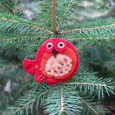 Brož Ptáček hnědočervený Christmas Ornaments, Holiday Decor, Home Decor, Decoration Home, Room Decor, Christmas Jewelry, Christmas Decorations, Home Interior Design, Christmas Decor