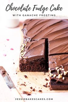 There is only one word to describe this chocolate cake..fudgy! The chocolate ganache frosting is silky smooth and melts-in-the-mouth. These textures really are a match made in heaven. This easy chocolate cake recipe is the ultimate chocolate dessert! #jessiebakescakes #chocolateganachecake #chocolatefudgecake #sheetcake #chocolateganache #chocolatedesserts #chocolaterecipes #chocolatefudgefrosting #cakeideas Chocolate Ganache Frosting, Chocolate Cake Recipe Easy, Chocolate Fudge Cake, Chocolate Flavors, Chocolate Desserts, Sheet Cake Recipes, Easy Cake Recipes, No Bake Cake
