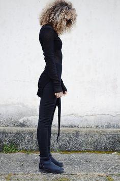 Conceptual / experimental slow fashion brand   www.dorawyn.com