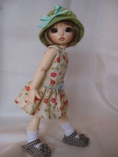 """ECRU and FLOWERS  made to fit Fairyland LittleFee 10"""" Yosd bjd. $27.50, via Etsy."""
