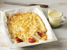 Raejuustopannari Food And Drink, Pizza, Bread, Cheese, Baking, Cake, Sweet, Desserts, Recipes