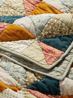 Patchwork Quilt Patterns, Patchwork Blanket, Patchwork Fabric, Patchwork Ideas, Hexagon Quilt, Patchwork Designs, Quilt Designs, Summer Quilts, Winter Quilts