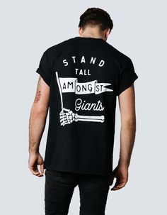 T-Shirts – Stand Tall Amongst Giants large