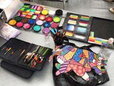 Tutto pronto per il body painting ispirato alla pop art! #andywarhol #arte #popart #colori