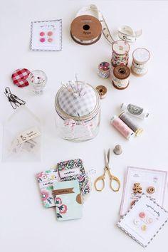 DIY: mason jar pin cushion sewing kit
