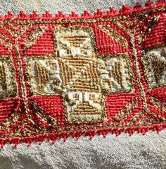 Folk Costume, Costumes, Folk Embroidery, Elsa, Bohemian Rug, Textiles, Traditional, Quilts, Blanket
