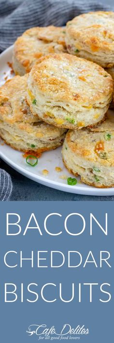 Bacon cheddar biscuits are savoury and buttery quick breads, perfect to serve alongside any meal! Filled with bacon, cheddar and onions Quick Bread Recipes, Vegan Recipes Easy, Cooking Recipes, Potato Recipes, Breakfast Dishes, Breakfast Recipes, Breakfast Ideas, Cheddar Biscuits, Cafe Delites